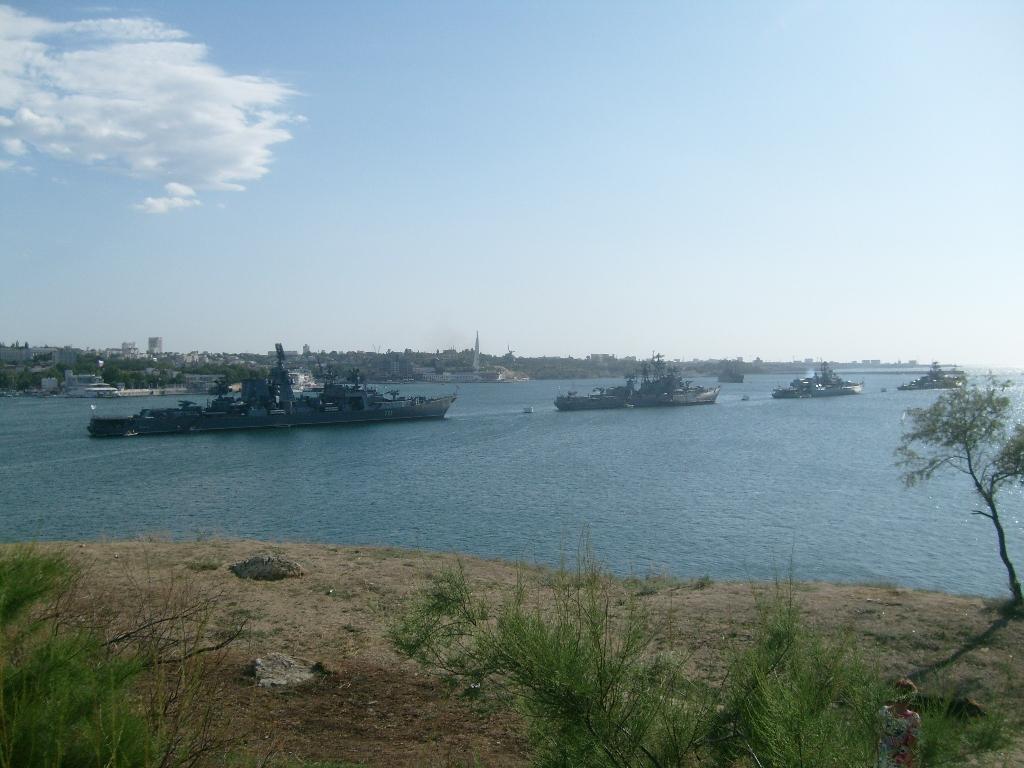 Флот ВМФ в Севастополе за день до парада