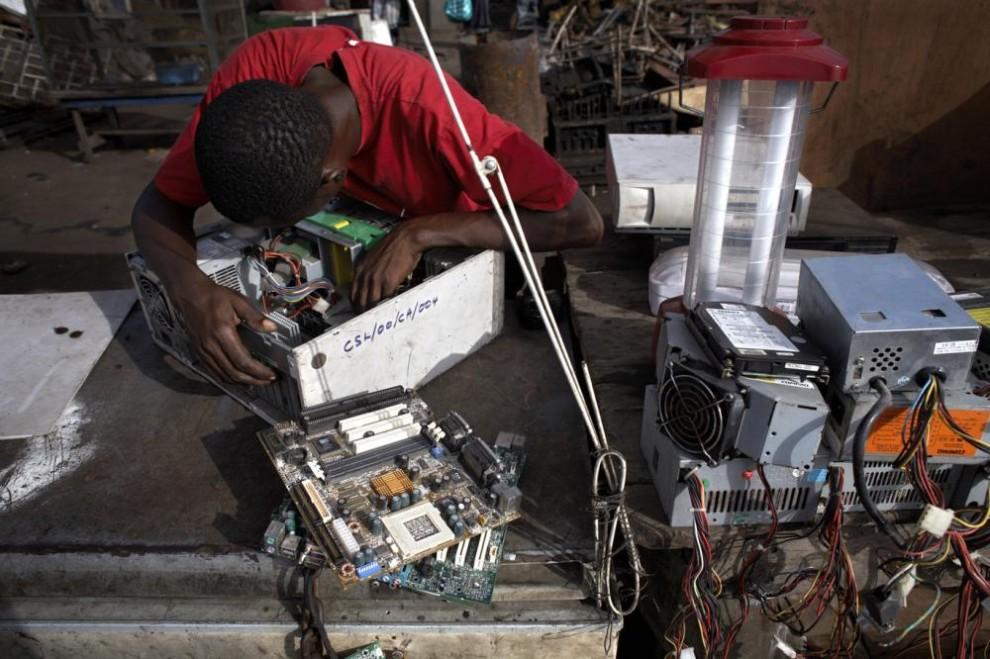 Свалка электроники в столице Ганы