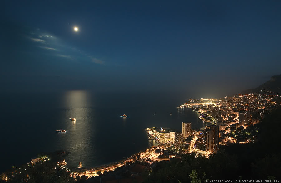 Монако: князья, банки, яхты, Монте-Карло и Формула-1.
