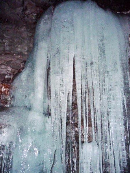 Ледовые пещеры со всего мира