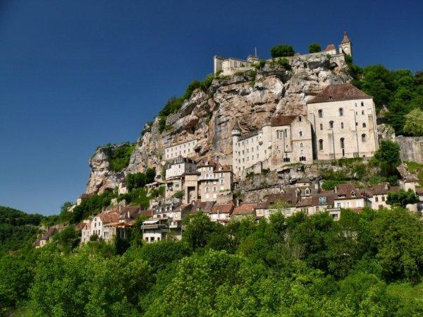 Жизнь на краю обрыва — скальные города Европы