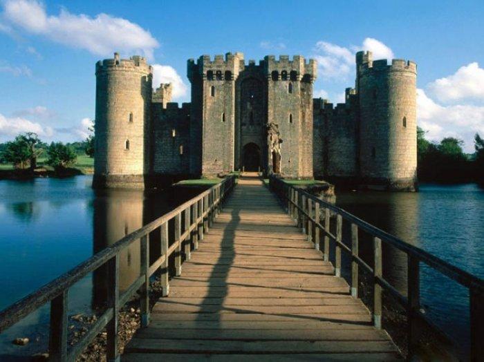 Замки на воде или 20 самых красивых замковых рвов в мире