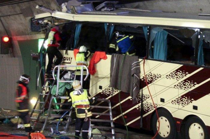 В ДТП в Швейцарии погибло 28 человек