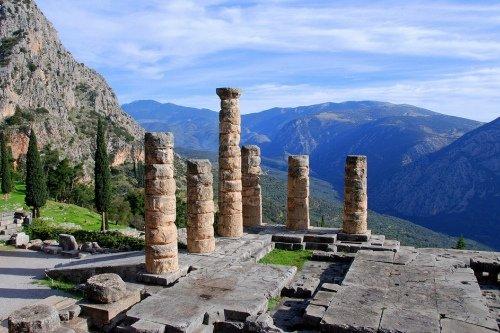 Оракулы в политической жизни Греции в VI в. до н.э.