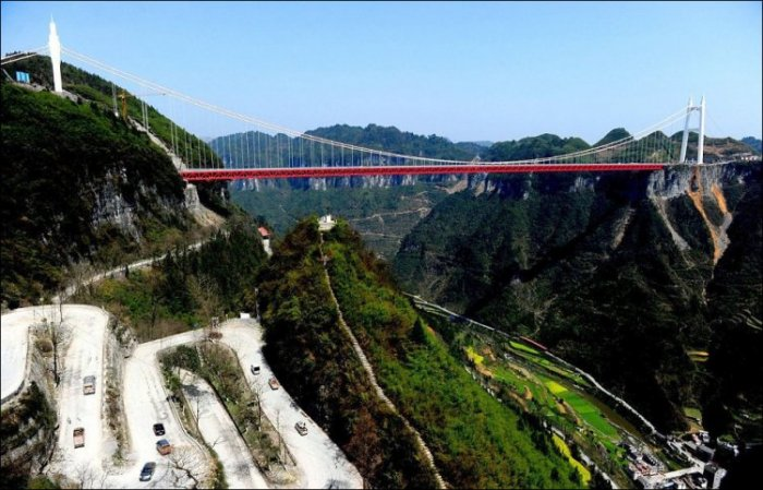 В Китае соорудили высочайший мост