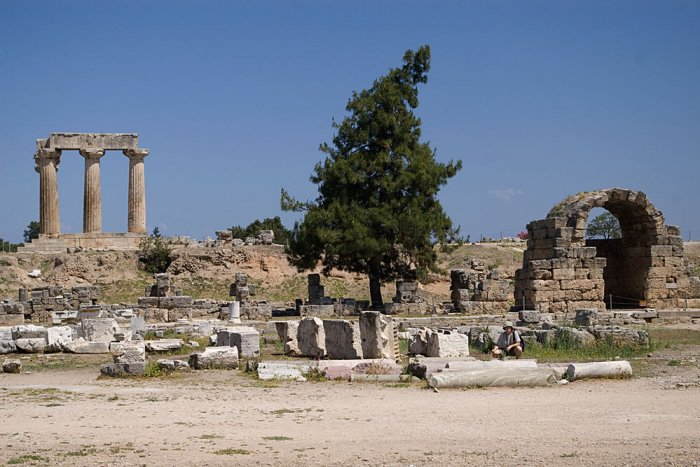 Организация гражданской общины в Коринфе
