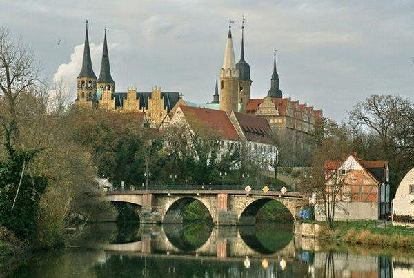 Проблемы трансформации и развитие городов в Восточной Германии после «поворота».