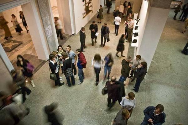 Турист в современном музее: философия просвещения, технология развлечения