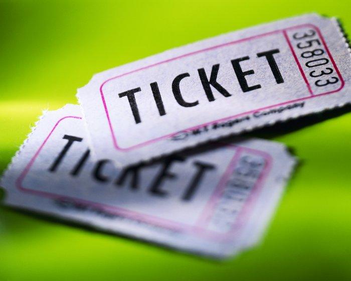 Моделирование процессов продаж билетов в авиакомпании на уровне рейса. Част ...
