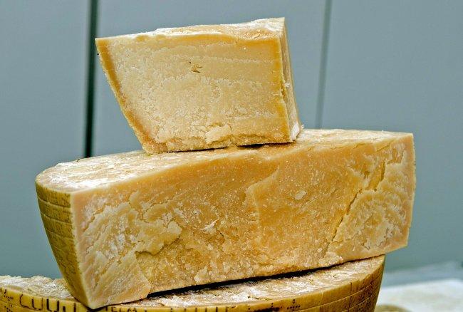 Пармезан твердый сыр