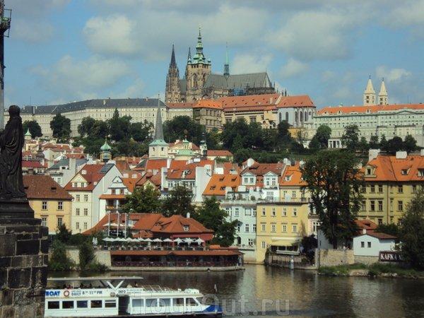 Какой сувенир привезти  из Праги