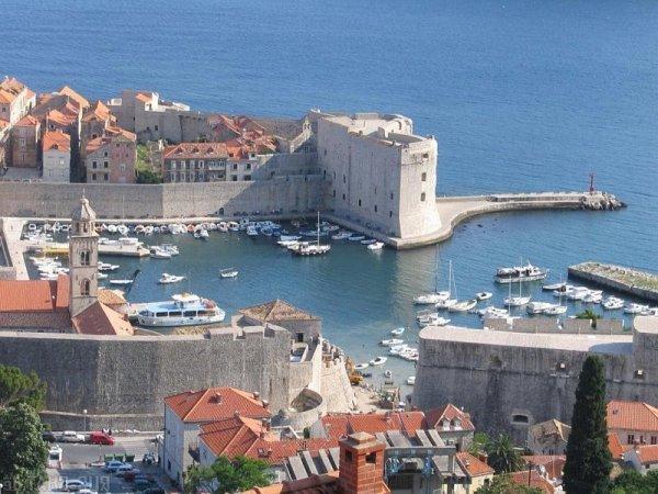 Чем привлекателен отдых в Черногории?