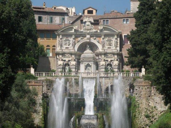 Какие развлечения предлагает туристам Рим?