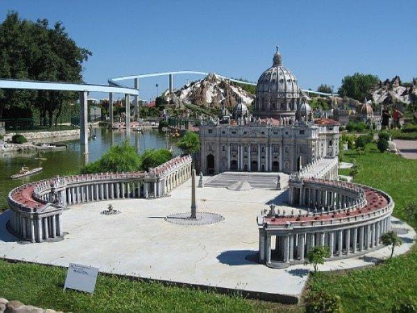 Какие заведения можно посетить в Римини?