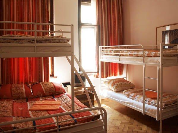 Поселиться в хорошем хостеле