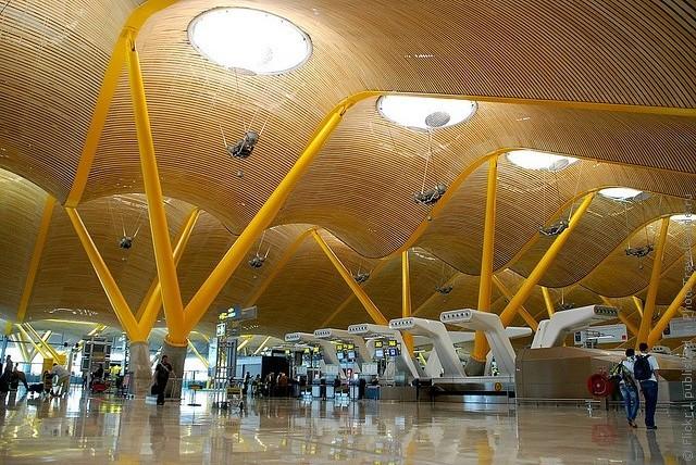 Как можно быстро заказать трансфер из аэропорта Мадрида
