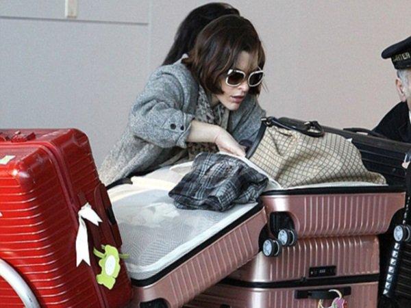 Дама сдавала багаж